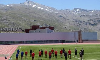 Los deportistas de la Rfedi inician la pretemporada en el CAR de Sierra Nevada