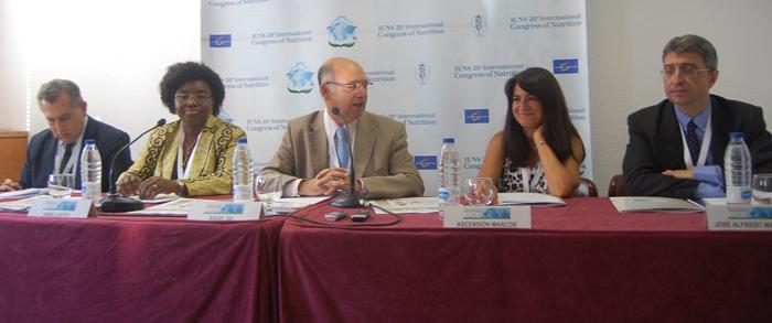De izquierda a derecha, Luis Moreno, Anna Lartey, Ángel Gil, Ascensión Marcos y Alfredo Martínez. | Foto: L. P. T.