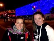 Melani Costa y Mireia Belmonte se lucen en el cubo de Pekín