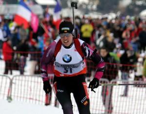 Victoria Padial disputando el sprint en Annecy-Le Grand Bornand. Fuente: AD