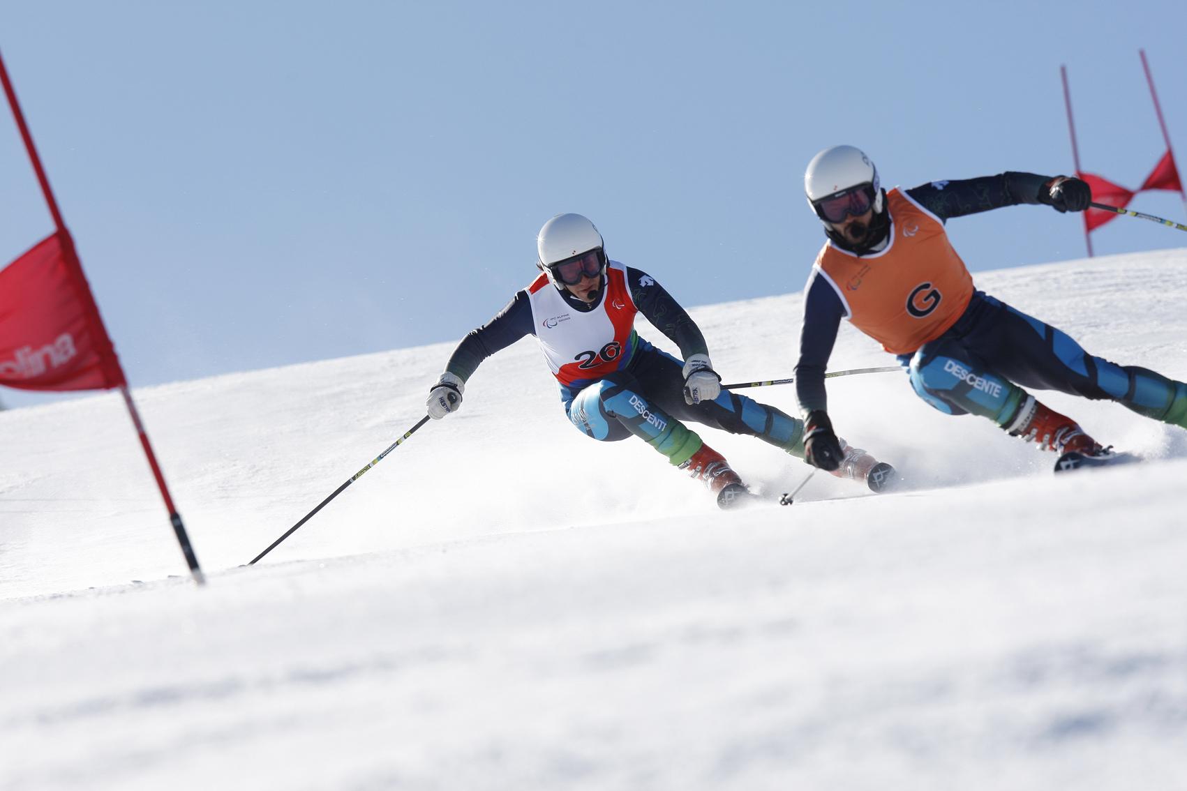 esqui alpino paralimpico