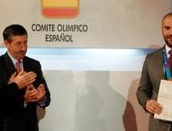 Manuel Martínez recibe su bronce 9 años después