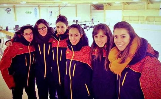 Equipo femenino de curling en el Europeo Júnior de Finlandia. Fuente: AD