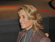 Theresa Zabell apoyando a Cruz Roja del Mar