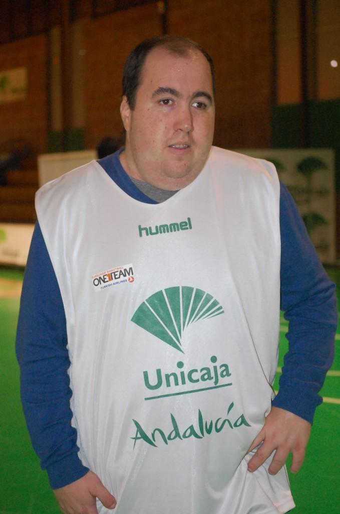 Jorge durante su entrenamiento de baloncesto. Fuente: Laura Pérez Torres/Avance Deportivo