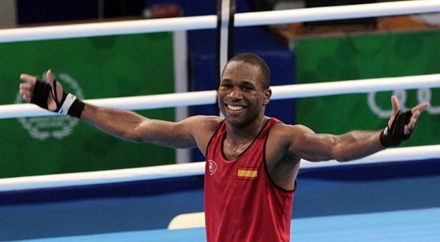 El boxeador onubense Kelvin de la Nieve