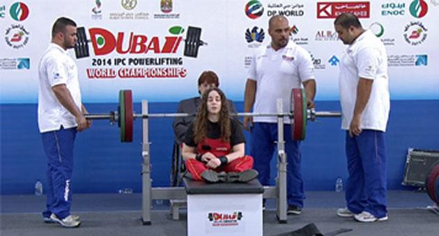 La cacereña en el Mundial de halterofilia en Dubai. Fuente: AD
