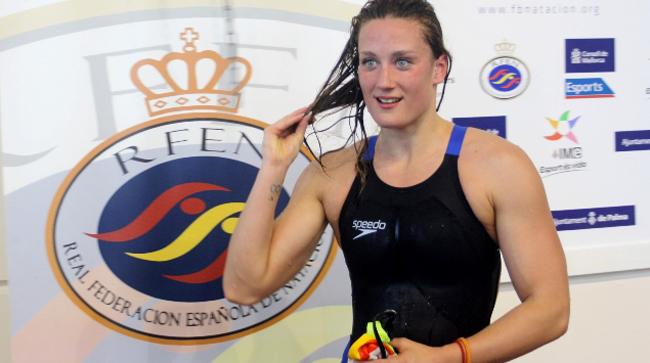 La nadadora Mireia Belmonte tras su récord en los 1.500 metros libre. Fuente: RFEN