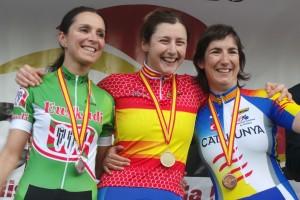 Raquel Acinas ganó en la crono y en línea. Fuente: RFEC