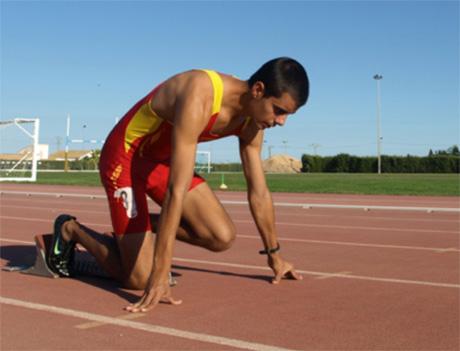 El atleta paralímpico Loreno Albaladejo en la pista. Fuente: AD