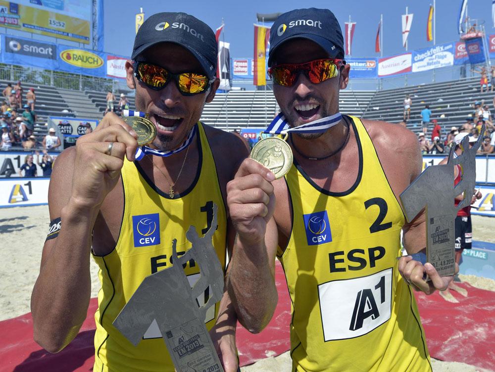 El dúo Herrera-Gavira lograron la medalla de Oro en el Campeonato de Europa 2013. Fuente: RFEVB