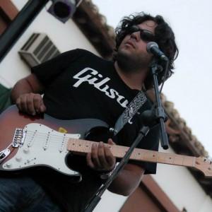 El madrileño en su versión guitarrista.