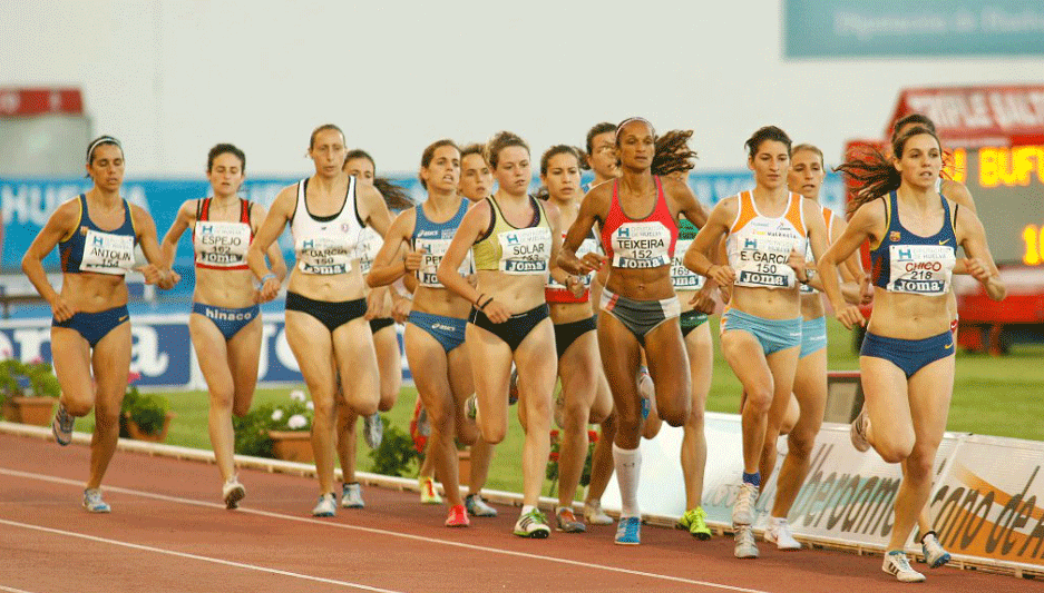 Prueba femenina de 1500 metros en el IX Meeting Iberoamericano de Huelva, 2013. Fuente: RFEA