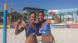 Paula Soria y Ángela Lobato celebran la victoria.