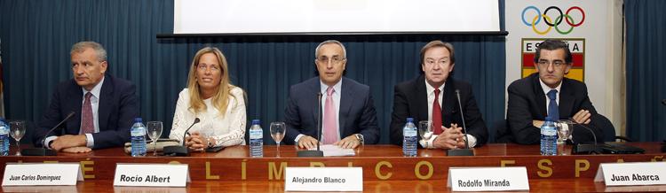 Alejandro Blanco presenta el proyecto sobre el dopaje en la sede del COE. Fuente: AD