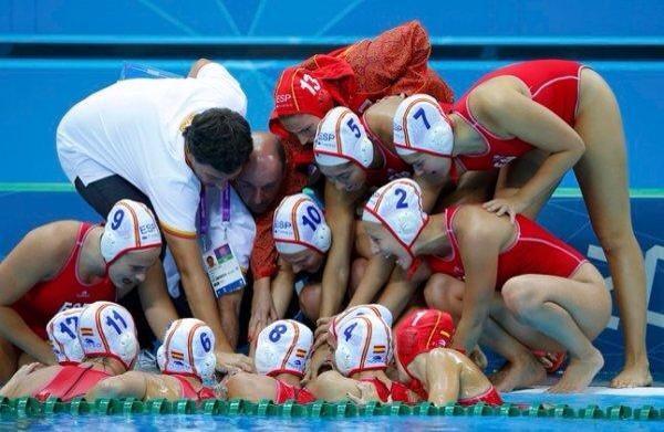 La selección española femenina de waterpolo. Fuente: AD