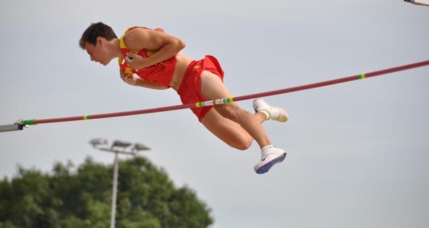 Noel-Aman-del-Cerro-Vilalta-cabecera-atletismo-pertiga-avance-deportivo