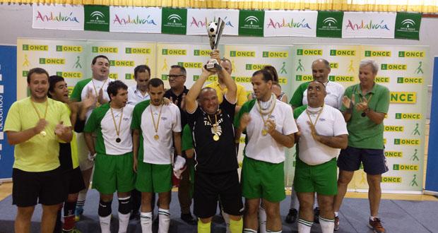 El equipo de Tarragona celebra el triunfo en el campeonato de España. Fuente: ONCE