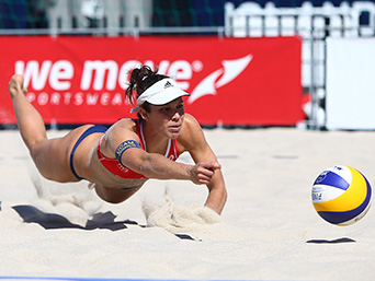 Elsa Vaquerizo durante el torneo de Grand Slam celebrado en la localidad estadounidense de Long Beach. Fuente: RFEVB