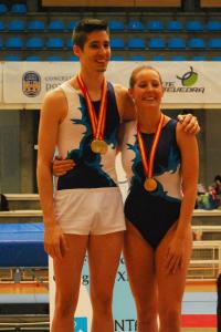 Marc Torras y Claudia Prat en el podio de Pontevedra. Fuente: AD