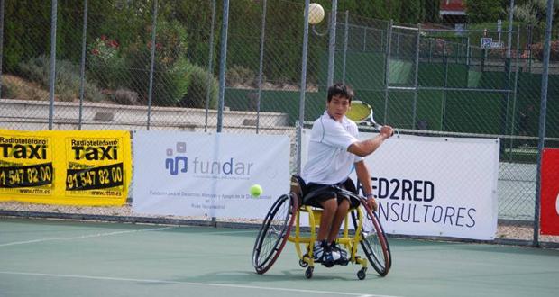 El tenista madrileño Roberto Chamizo durante Open Ciudad de Rivas. Fuente: FEDDF