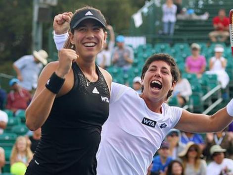 Garbiñe Muguruza y Carla Suárez han logrado su primer título como dobles en el WTA en Stanford. Fuente: RFET
