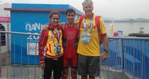 Carmen Gómez junto a Alberto González y Joan Mayol. Fuente: Fetri