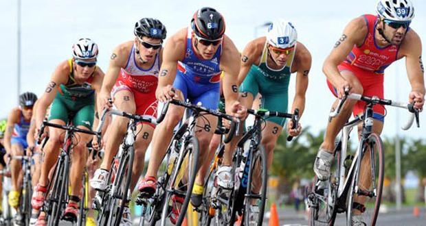 El triatleta español Cesc Godoy durante una competición. Fuente: ITU Media