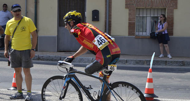 El ciclista Juanjo Méndez durante la Copa del Mundo en Segovia. Fuente: RFEC