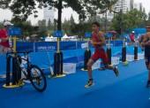 Diploma olímpico para Alberto González en Nanjing