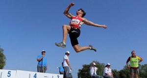 Xavi Porras durante un salto. Fuente: AD