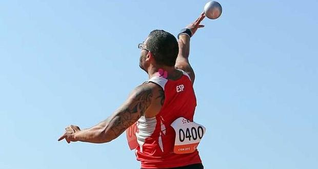 El lanzador de peso kim López durante una competición. Fuente: CPE