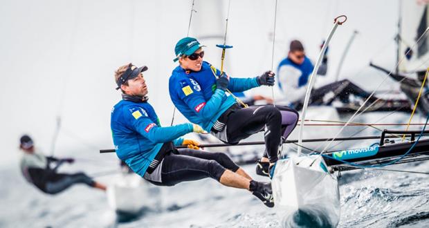 Tara Pacheco e Iker Martínez durante una regata. Fuente: MartínezStudio/Sofía