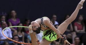La gimnasta con el aro. Fuente: Efe