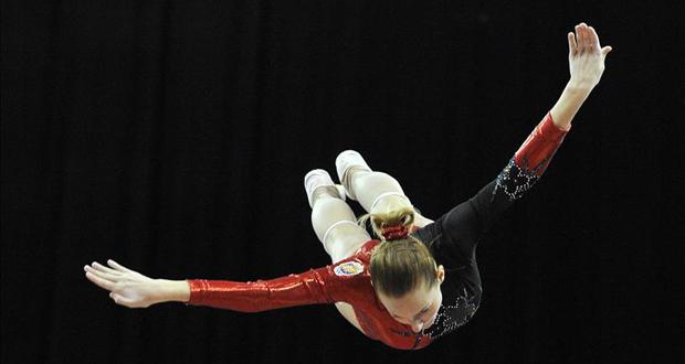 La gimnasta Claudia Prat durante una de sus actuaciones en trampolín. Fuente: RFEG
