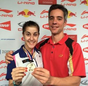 Carolina y Fernando con la medalla. Fuente: Badminton Photo