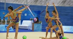 El equipo español de gimnasia rítmica durante uno de sus ejercicios en el tapiz. Fuente: Oleg Naumov