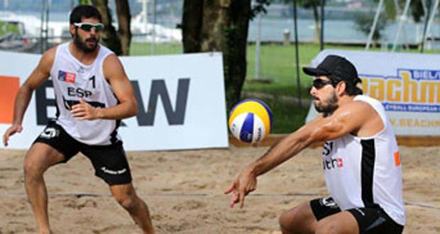La pareja Marco-García durante un campeonato. Fuente: RFEVB