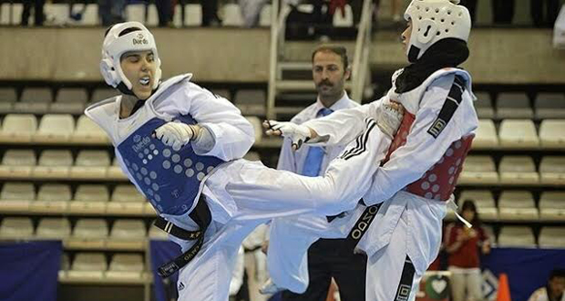 La joven taekwondista Marta Calvo durante un combate. Fuente: tkdimages