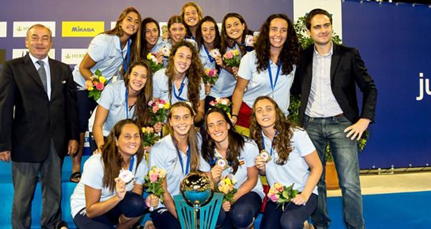 Las 'miniguerreras' acuáticas ganan el bronce en el Europeo de waterpolo. Fuente: RFEN