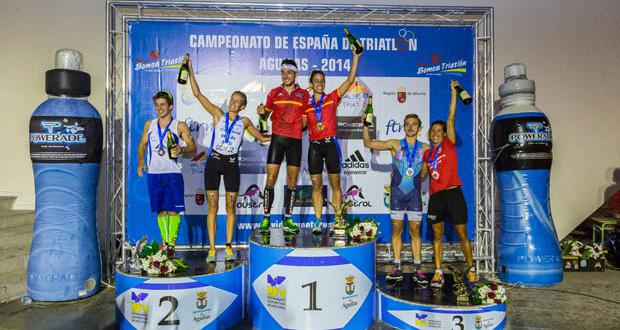 Podio mixto de los triatletas españoles en Águilas. Fuente: Yeray Menéndez