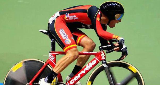 El ciclista balear Albert Torres durante una prueba.