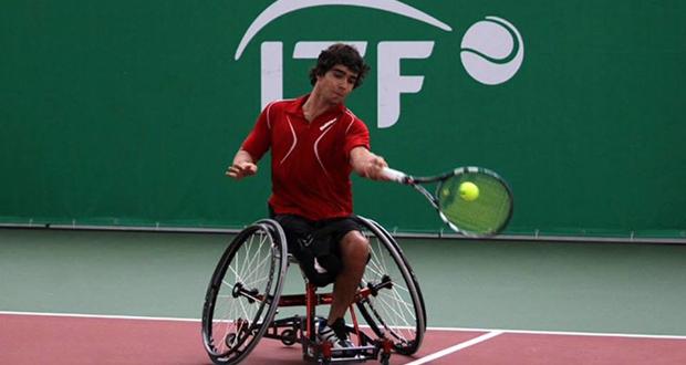 El tenista madrileño Daniel Caverzaschi en el torneo en San Petersburgo. Fuente: AD