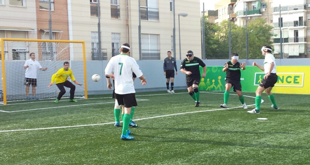 Encuentro entre Málaga y Granada en la final de la Copa de Andalucía de fútbol para ciegos. Fuente: AD