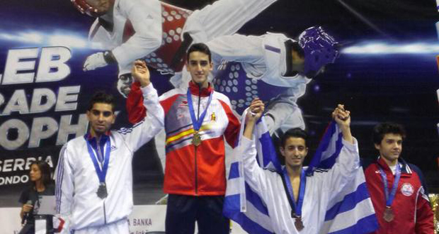 El madrileño Jesús Tortosa en el primer escalón del podio en Belgrado. Fuente: Fetaekwondo