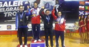 Marta Calvo en el podio. Fuente: fetaekwondo