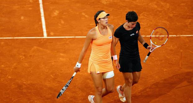Garbiñe Muguruza y Carla Suárez durante un torneo. Fuente: Getty Image