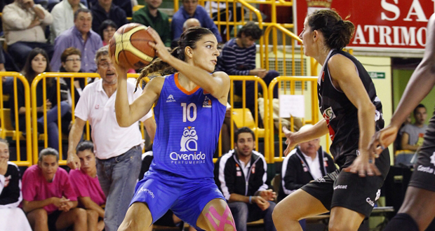 Marta Xargay en el partido entre Perfumerías y Girona. Fuente: Vir Pintado