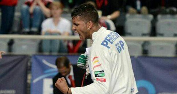 El tirador español Yulen Pereira durante un combate. Fuente: AD