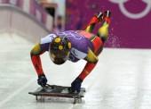 Ander Mirambell afina su trineo sobre el hielo
